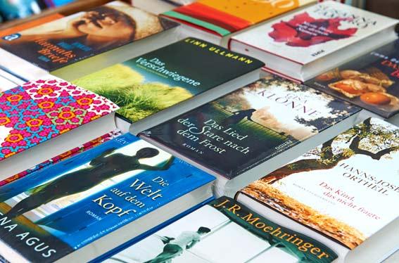 Bildergalerie der Kleinschen Buchhandlung in Krefeld - Romane / Bestseller