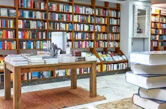 Bildergalerie der Kleinschen Buchhandlung in Krefeld - Innenansicht Regale